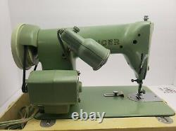 185K Singer Sewing Machine Mint Green Heavy Duty With Case Vintage needs bulb