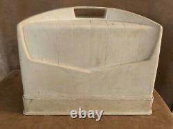 1946 Singer Heavy duty WORKS Sewing Machine case AG574076 quilting 66-16