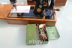Antique/vintage Singer Sewing Machine Heavy Duty Domed Case 99k Hand Cranked