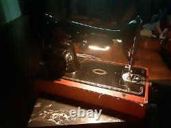 BEAUTIFUL ANTIQUE Heavy Duty Singer 66 Sewing Machine Ornate Gold Black ELECTRIC