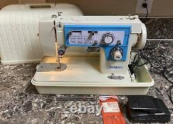 Dressmaker 7000 Sewing Machine Heavy Duty Vintage Case Foot Pedal Tested Used