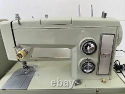 HEAVY DUTY KENMORE SEWING MACHINE, model 158-1753 With Manual, Extras, Hard Case