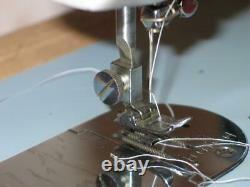 HEAVY DUTY WHITE SEWING MACHINE Straight & Zig-Zag Stitch model 2134. All Metal
