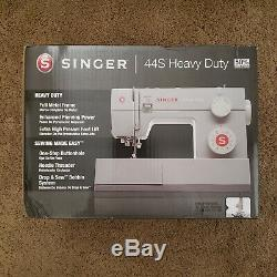 NEW Singer 44S Heavy Duty Sewing Machine with 23 Built In Stitches SHIPS TODAY
