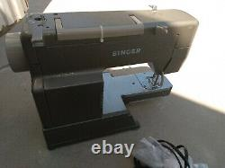 SEE DETAILS Singer Professional Sewing Machine HD110C Heavy Duty Metal Foot PedL