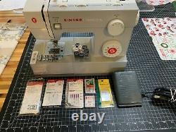 SINGER 4411 Heavy Duty 120W Portable Sewing Machine Grey