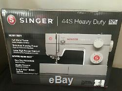 SINGER 44S Heavy Duty 23 Stitches Sewing Machine Free shipping brand new