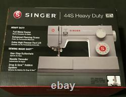 SINGER 44S Heavy Duty Sewing Machine with 23 Built-In Stitches NEW in box