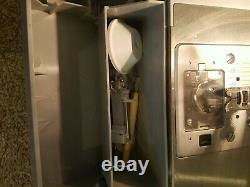 SINGER HEAVY DUTY SEWING MACHINE MODEL 4423 (Free ship, smoke free home)