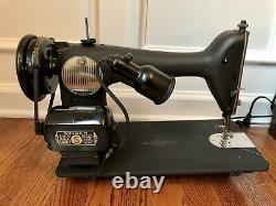 See video! Vintage 1940s SINGER 66 Sewing Machine & EXTRAS Heavy Duty Sews denim