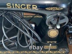 Singer 15-91 Heavy Duty Sewing Machine Gear Drive Wood Case With Extras Works