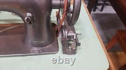Singer 16-188 Industrial Walking foot w table clutch motor for heavy Materials