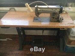 Singer 20u33 Sewing Machine. Heavy Duty Zigzag+ Includes Table and Motor