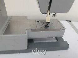 Singer 4423 Heavy Duty Sewing Machine UNTESTED NO PEDAL SCRUFFY CONDITION