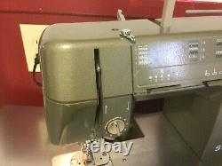 Singer HD110C Sewing Machine Heavy Duty with Light and Foot Pedal -Working