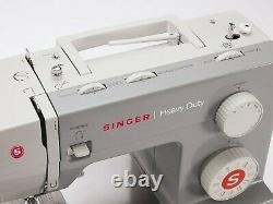 Singer Heavy Duty 4423 Sewing Machine Brand new unpacked