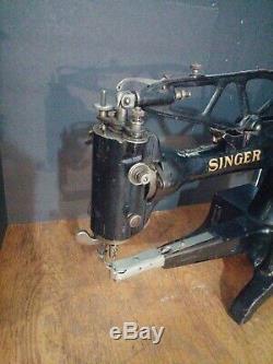 Singer Model 29K70 HD Heavy Duty Sewing Machine Antique Vintage 29K