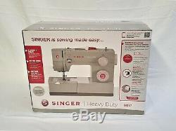 Singer Sewing Machine 4452 Heavy Duty with 32 Built-in Stitches. Fast Shipping