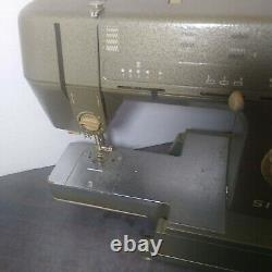 Singer Sewing Machine HD110 C Heavy Duty Metal & Foot Pedal Quilter Table Video