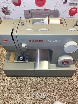 Singer Singer Sewing Machine 4452 Heavy Duty with 32 Built-in Stitches