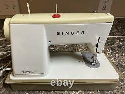 Singer Stylist Zig Zag 466 Vintage Heavy Duty Sewing Machine with Case Tested Work