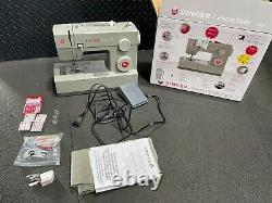 Unused, Singer Heavy Duty 4452 Sewing Machine with 32 Built-In Stitches