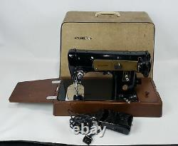 VINTAGE SINGER PORTABLE HEAVY DUTY SEWING MACHINE MODEL 224 RED S With ACC & CASE