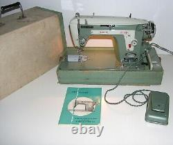 Vintage Janome NEW HOME Heavy Duty Sewing Machine (532) with Accessories Japan