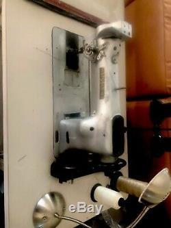 W816926 Vintage SINGER 111W100 HEAVY DUTY SEWING MACHINE