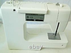 White Jeans Machine Sewing Machine Model 4042, HEAVY DUTY