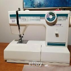 White Sewing Machine Heavy Duty Model 1919 Embroidery Dressmaking + Accessories